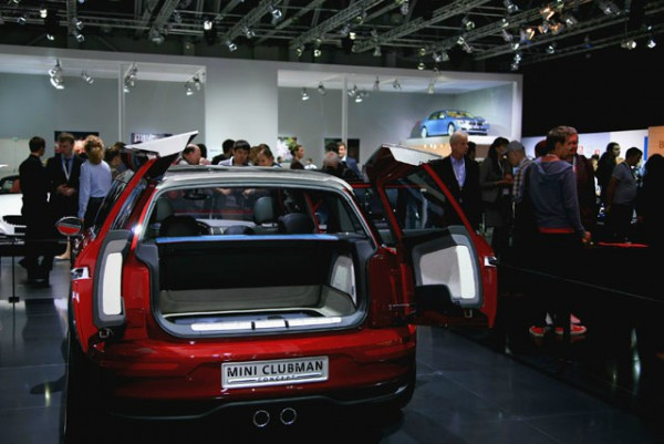 Автопроизводители не хотят ехать в Москву