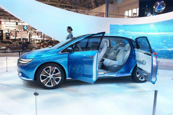 Электромобиль Denza – плод сотрудничества BYD и Daimler