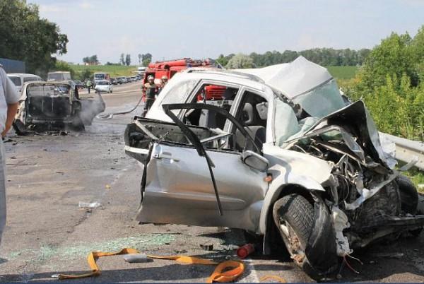 ДТП на трассе Киев-Одесса: 16 июля Porsche врезался в Тойоту и Daewoo