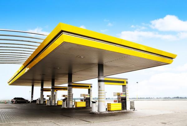 Бензин продолжает дешеветь