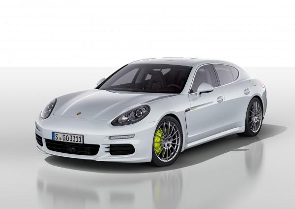 Стоит ли все это, а также многое прочее, привычное для владельцев больших Porsche, 1 млн грн.? Продажи покажут.