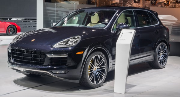 Новый Cayenne Turbo S на шоу в Детройте