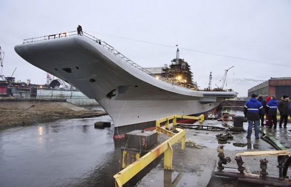 В России собирают новый авианосец Шторм