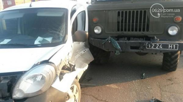 Водитель и пассажир Рено госпитализированы