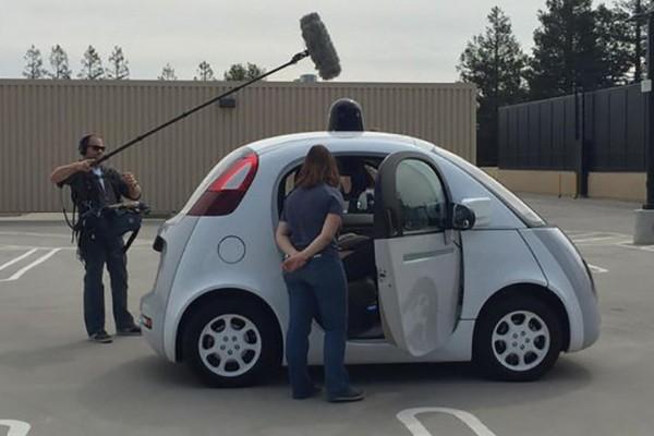 Журналисты тестируют Google-мобиль