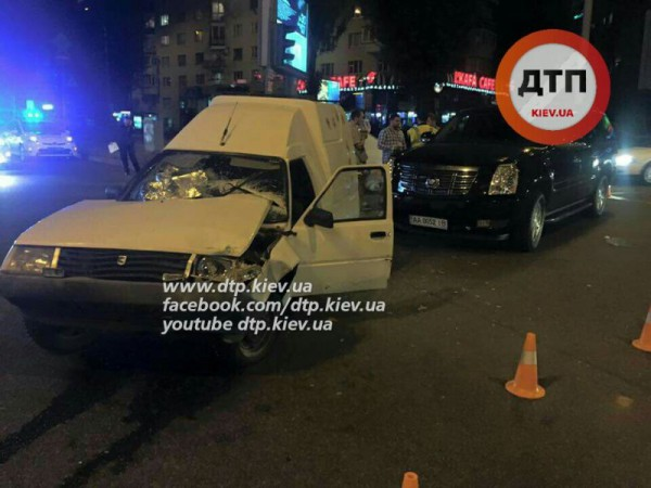 Ночная авария Cadillac и Таврии