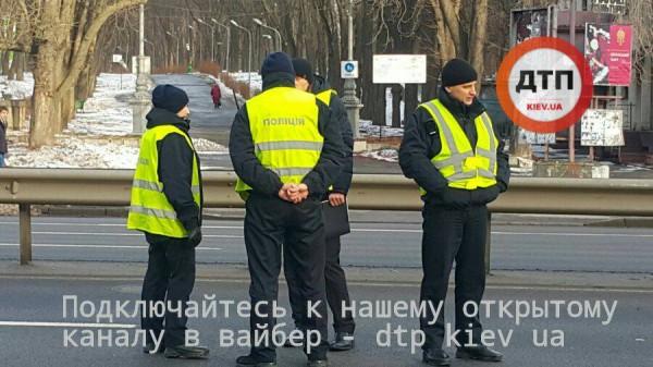 В Киеве под колесами авто погиб студент КПИ