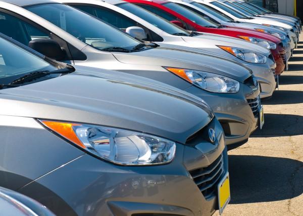 Автомобили продаются плохо