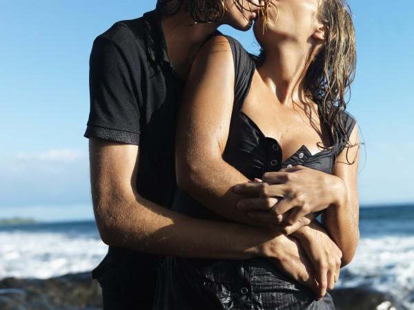 Как провести романтическую ночь на побережье