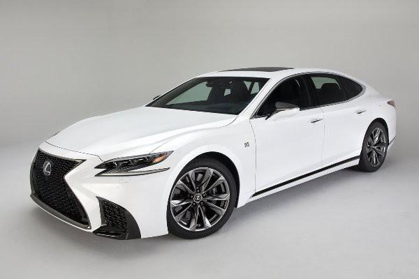 Lexus показал спортивный LS 500
