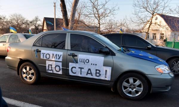 Лишенный прав водитель виновным себя не считает