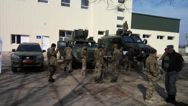 В Украине показали новые автомобили для военных.