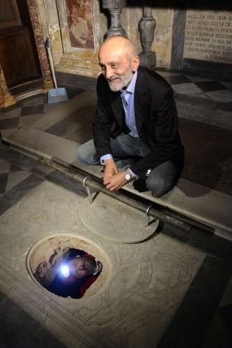 Начались раскопки в склепе Герардини