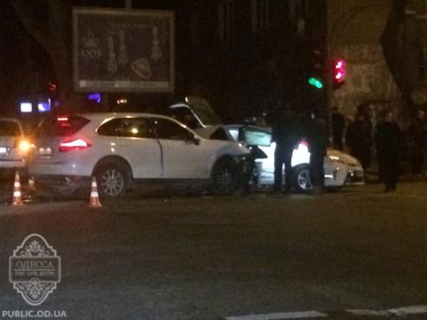 Водитель сбежала с места аварии