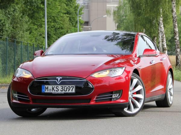 Все Model S отзывают. И эту тоже