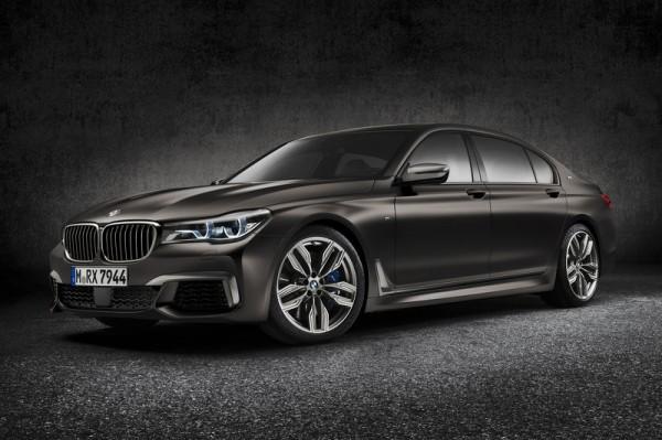 Новый седан BMW изнутри и снаружи