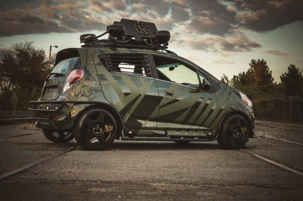 Обычные легковушки войскам нужны меньше, чем грузовики