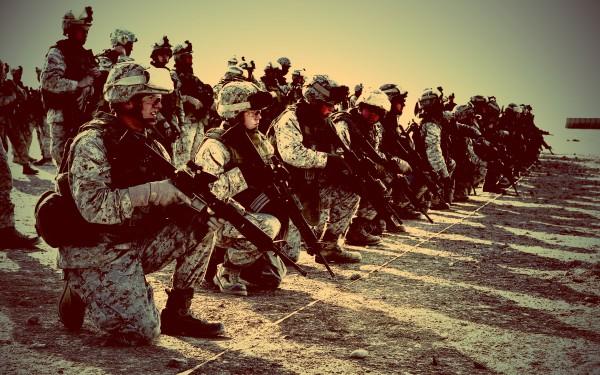 Огнестрельное оружие - главный аксессуар в наборе выживания солдата всех времен