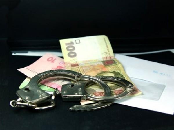 Гаишник требовал 1500 гривен взятки, хотя штраф был максимум 340