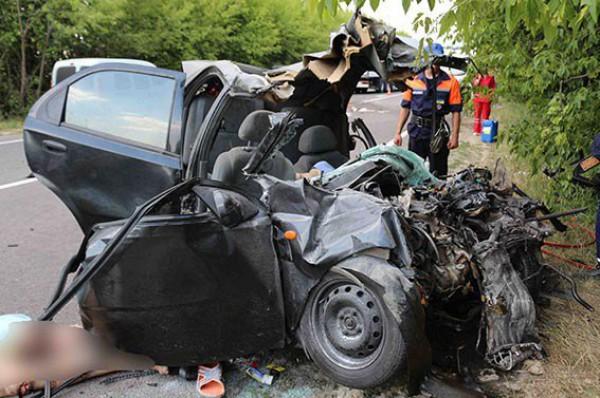 В аварии погибли двое