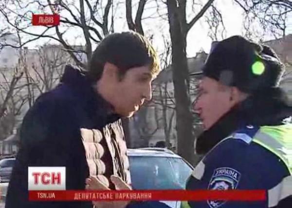 Ярослав Гинка начал кричать на гаишника, который вел себя спокойно