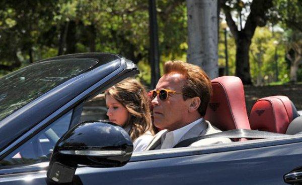 Шварценеггер с дочерью на новом Bentley