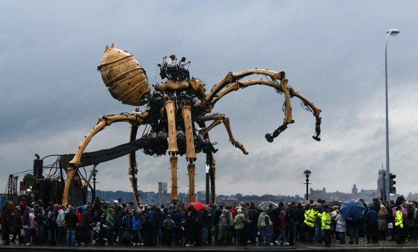 Гигантский механический паук
