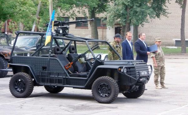Машину передали бойцам