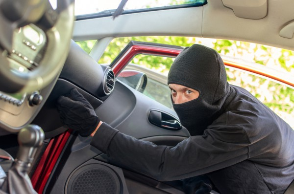 В среду машины угоняют чаще всего