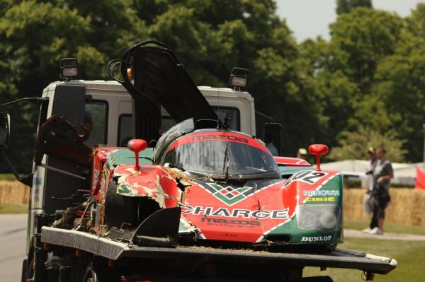 Автомобиль разбит, но пилот спасся