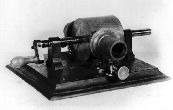 Первый образец фонографа
