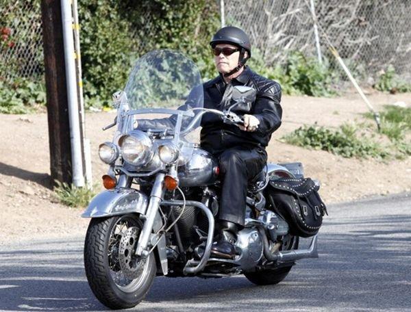Шварценеггер любит мотоциклы – в частности, свой Харлей