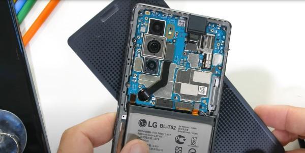 Смартфон LG Wing в разобранном состоянии