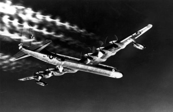 Полет самолета с ядерным реактором