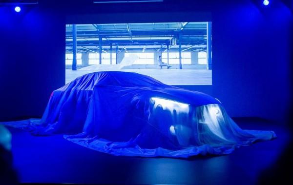 Длина автомобиля составит 4690 мм при ширине и высоте 1865 и 1370 мм соответственно.