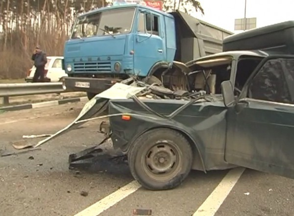 В аварии пострадали двое