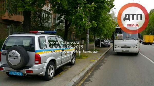 Маршрутка сбила мужчину в Киеве