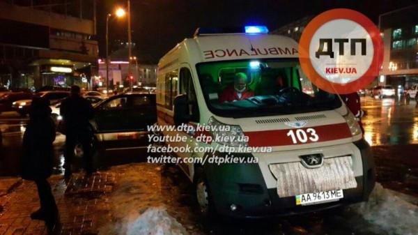 Таксист скрылся, оставив ребенка на месте ДТП