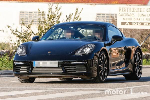 Porsche тестирует обновленный Cayman