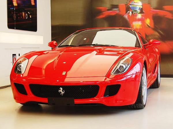 Даже Ferrari покидает рынок