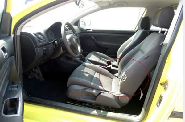 По просиженности подушки сиденья  можно понять, что происходило с машиной