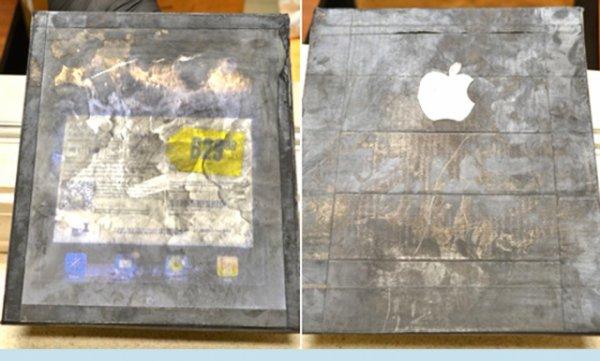 Деревянный iPad был даже с логотипом