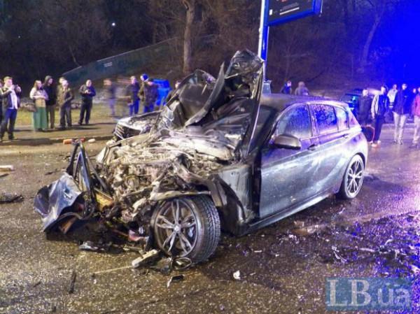 В Киеве Porsche Cayenne устроил страшную аварию