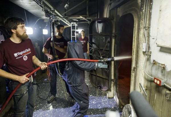 Робот-пожарный прошел боевое крещение