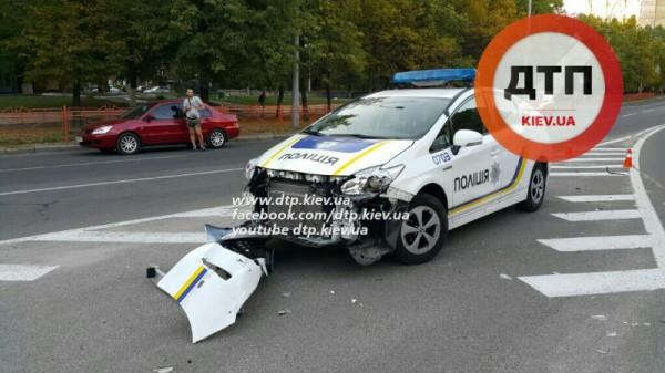 Полицейские попали в аварию