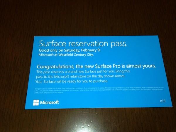 Microsoft Surface Pro - буклет сообщает, что данная модель продается только по предзаказу