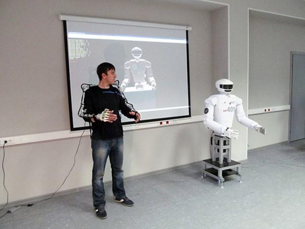 Россияне испытывают роботов-аватаров