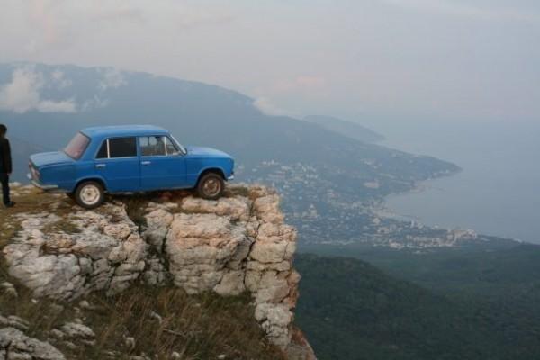 Машин в Крыму больше не становится