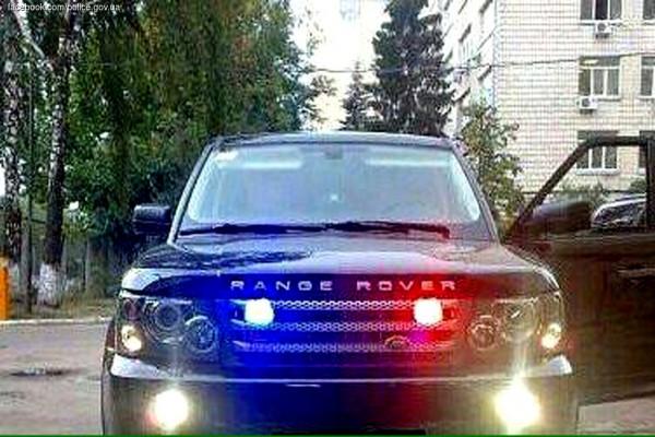Range Rover с мигалками