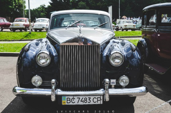 Раритетный Rolls-Royce во Львове